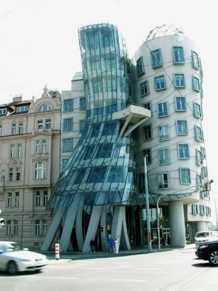 Top 10 Weirdest Buildings in the World!