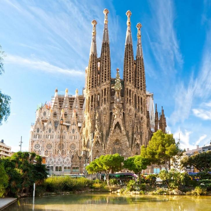 Sagrada familia barcelona spain 15 world 39 s most for La sagrada familia church