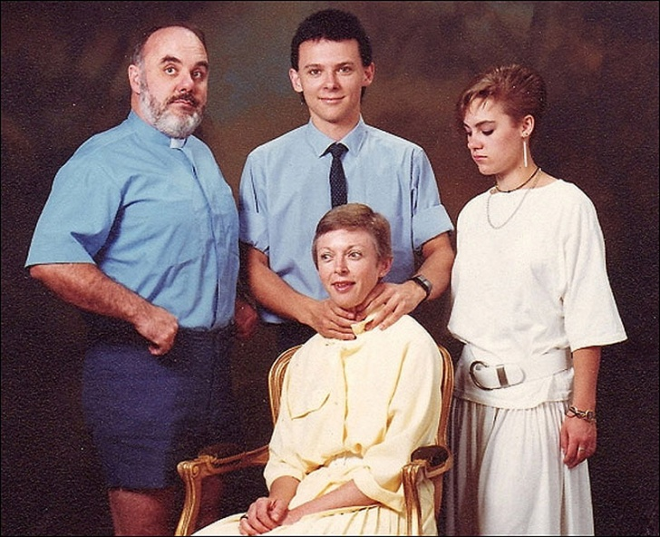 Most Ridiculous Family Photos Exposed! 25 Pics!