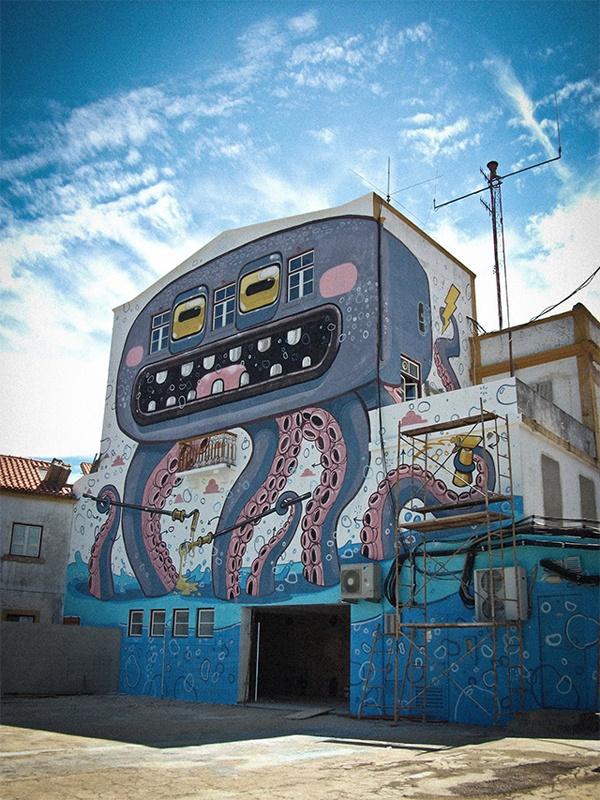 The Wacky Street Art by Mr.Thoms! 10 Pics!