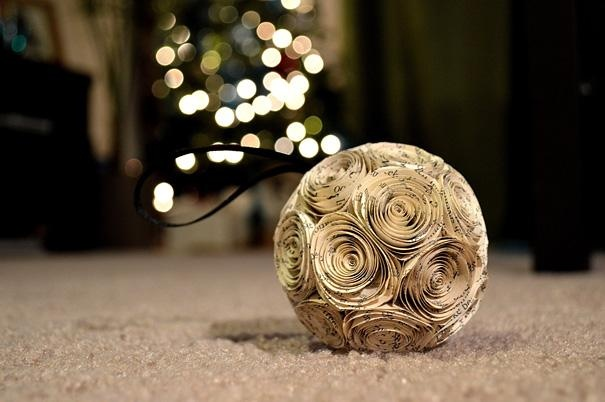 12 Creative Ideas For Your Christmas Tree!