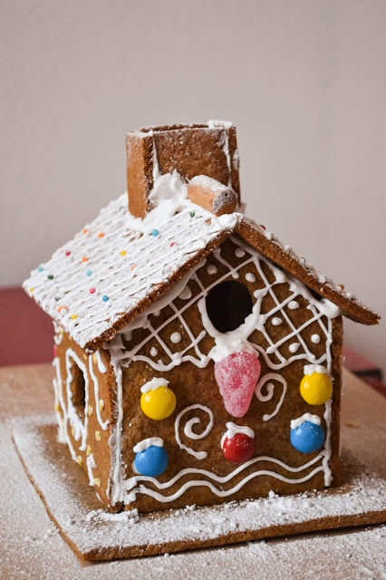 15 Most Inspirational And Adorable Christmas Gingerbread Houses!