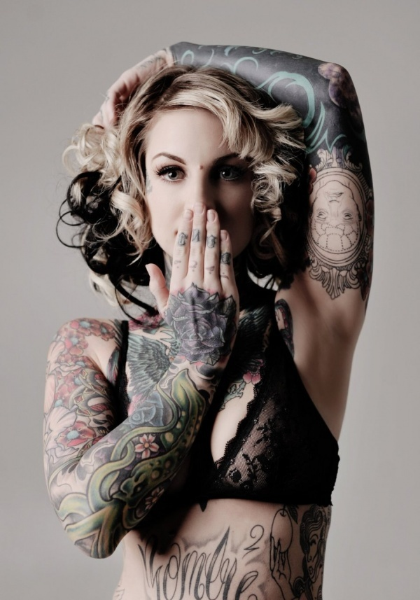 15 Amazing Tattoo Designs on a Woman