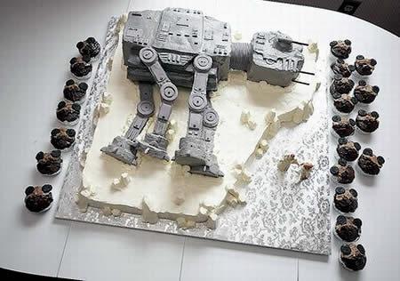 10 Geekiest Cakes Ever!