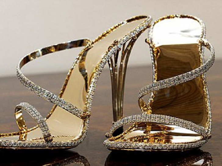 10 Most Expensive Gifts for Billionaires!