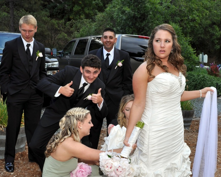 10 Funniest Wedding Pictures Ever!