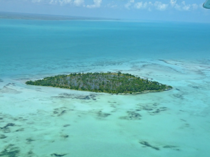 10 Celebrity Owned Islands: Private Paradise!