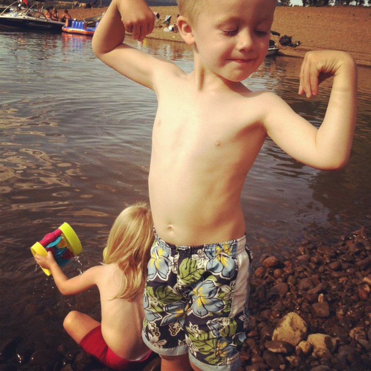 10 Funny Kids Posing as Bodybuilders!