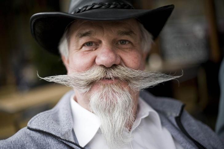 12 Really Funny Beard and Mustache Pics!