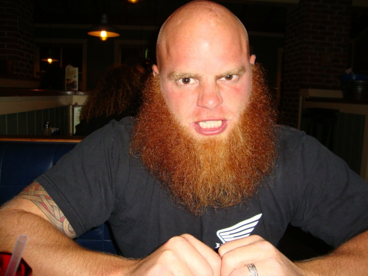12 Really Funny Beard and Mustache Pics!