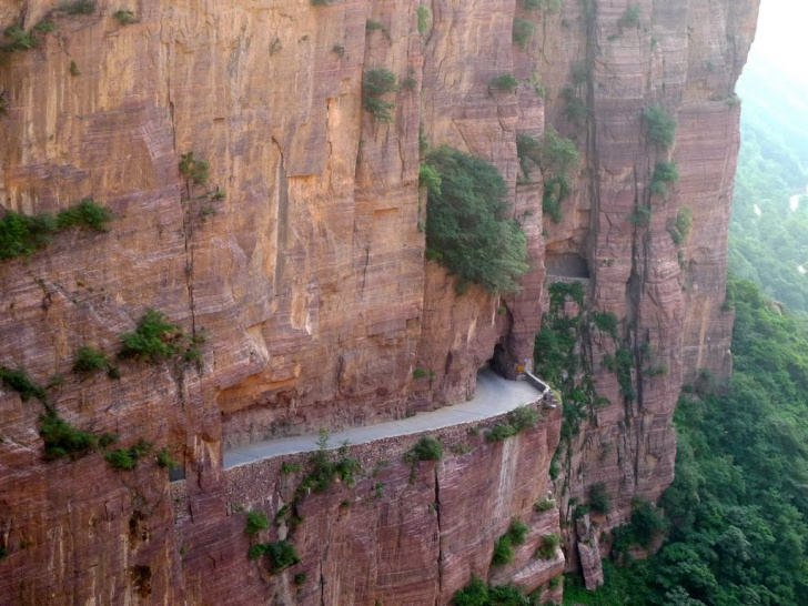 10 Most Exciting Highways in the World!