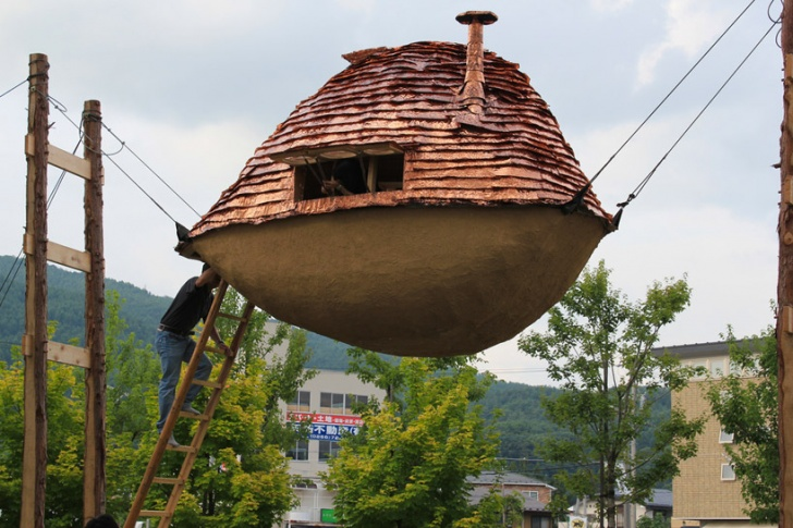 14 Interesting But Weird Houses to Live In!