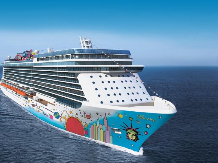 Norwegian Breakaway  10 Biggest Cruise Ships In The World