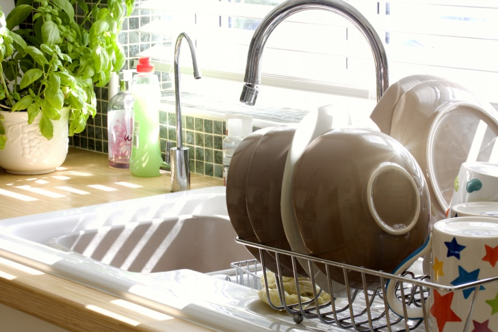 10 Chores That Our Parents Did  And We Are Gradually Forgetting About!