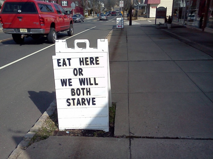 10 Funny And Creative Cafe Boards!