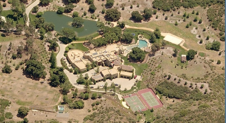 10 Most Expensive Celebrity Mansions!