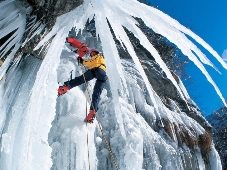 10 Most Extreme And Expensive Winter Sports!