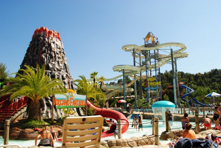 10 Best Water Parks in the World You Should Visit!