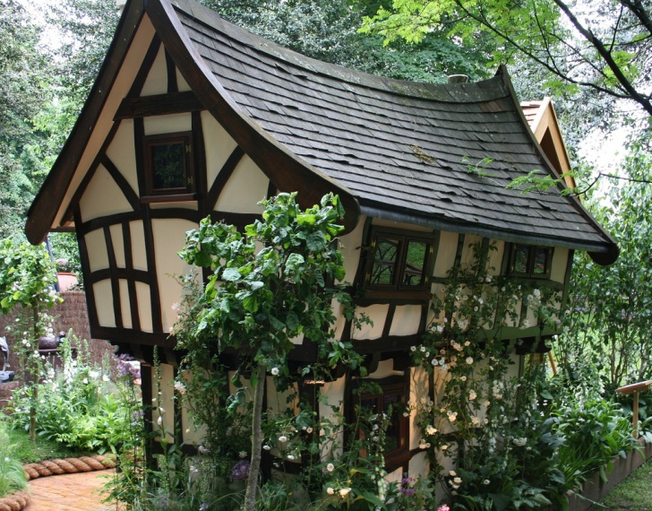 12 Most Stunning And Beautiful Fairy Tale Houses!