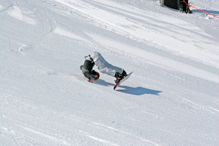 Funny Snowboarding: 10 Fails, Weird Costumes, Amazing Jumps!
