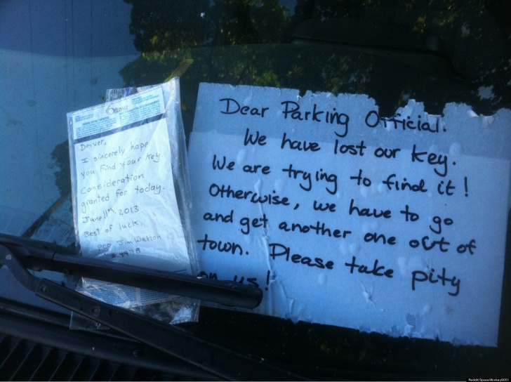 10 Amazingly Funny And Creative Parking Notes Left on Cars!