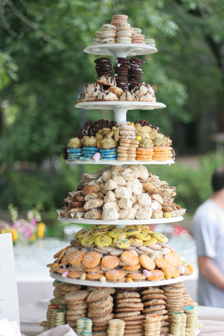 11 Cool Alternatives to a Traditional Wedding Cake!
