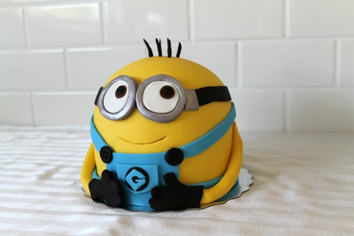13 Incredibly Cute And Creative Minion Cake Designs Ever!