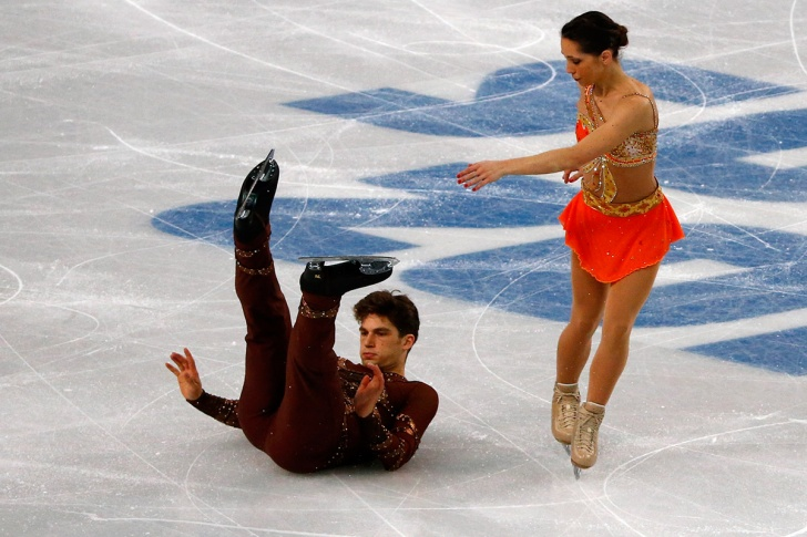 Ice Skating: 10 Funny Faces and Fails!