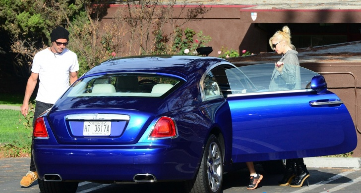 10 Divas And Their Luxury Cars!