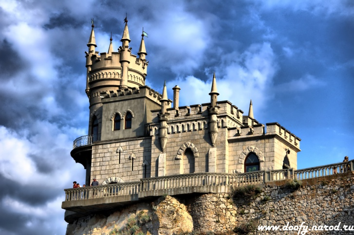 11 Most Fascinating Castles Around The World!