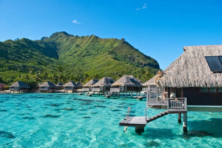 10 Most Amazing Overwater Bungalows Around the World!