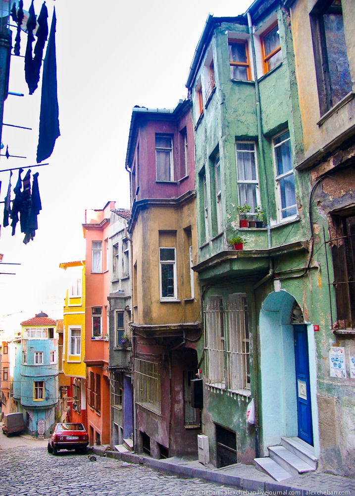 10 Most Colorful Cities in the World!